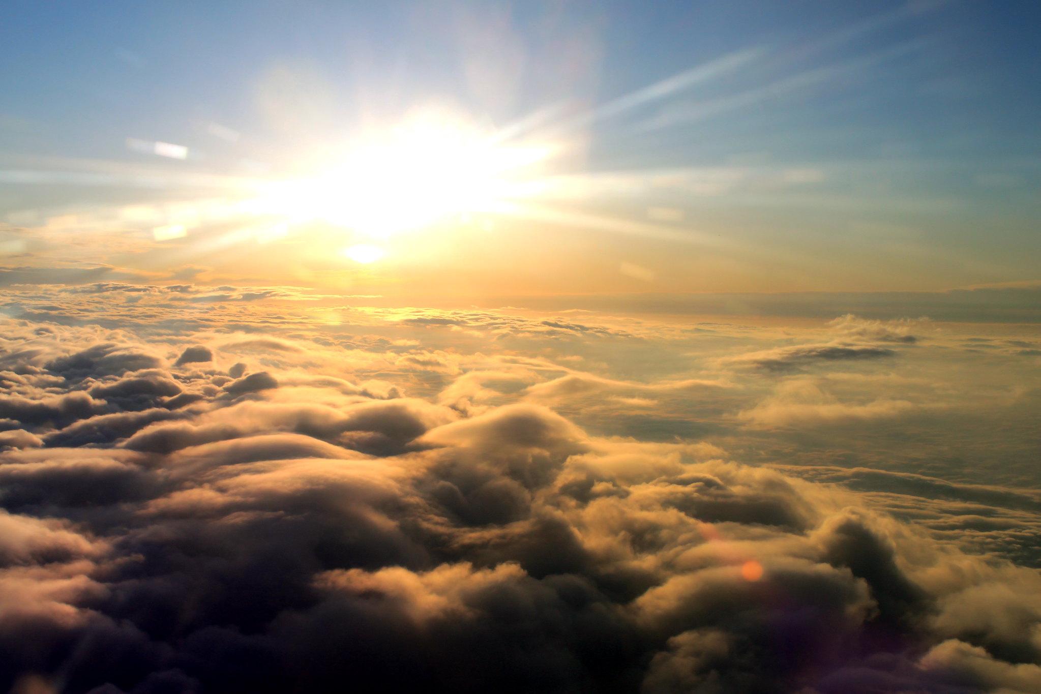 Heilpraxis Weg zu Dir - Sonne über den Wolken